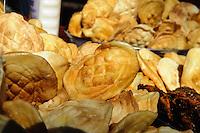 Käseverkauf in  Karpacz, Woiwodschaft Niederschlesien (Województwo dolnośląskie), Polen, Europa<br /> Sale of chease in  Karpacz, Poland, Europe