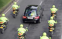 BOGOTA-COLOMBIA-6-02-2013 . Cortejo fúnebre del patrullero Díaz de la policia nacional .Patrolman Diaz funeral of national police. ( Photo / VizzorImage / Felipe Caicedo / Staff).