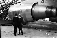 Pistes de Blagnac. 28 octobre 1972. Vue d'ensemble de face d'Henri Ziegler (Président de la Société Nationale et Industrielle de l'Aérospatiale)