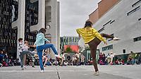 Les 20 interprètes du diptyque Les Préludes  dansent en plein cœur du quartier des spectacles, sur l'Esplanade de la Place des Arts, dans le cadre de Hors les murs de Danse Danse, les 2 et 3 octobre 2021.<br /> <br /> PHOTO : Agence Quebec Presse