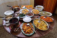 ETHIOPIA, Gonder, table with vegetarian food  / AETHIOPIEN, Gonder, gedeckter Tisch