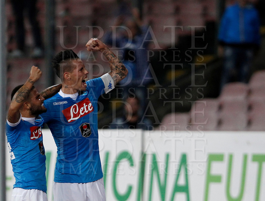 Calcio, Serie A: Napoli vs Juventus. Napoli, stadio San Paolo, 26 settembre 2015. <br /> Napoli's Lorenzo Insigne, left, celebrates with teammate Marek Hamsik after scoring during the Italian Serie A football match between Napoli and Juventus at Naple's San Paolo stadium, 26 September 2015.<br /> UPDATE IMAGES PRESS/Isabella Bonotto