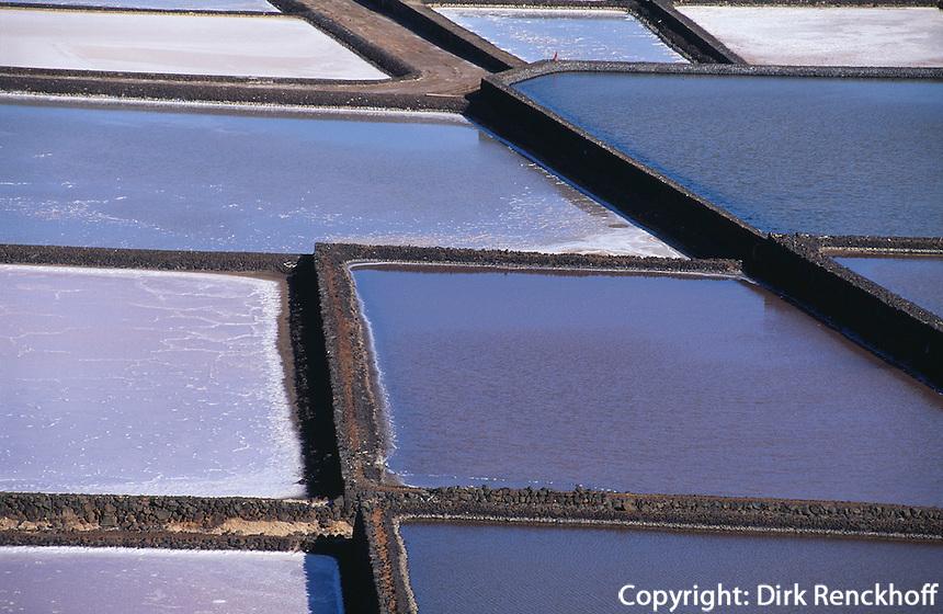 Saline zur Meersalzgewinnung in Janubio, Lanzarote, kanarische Inseln, Spanien