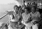 CHARLTON HESTON CON LA MOGLIE LYDIA CLARKE ED IL FIGLIO FRASER<br /> VENEZIA 1978