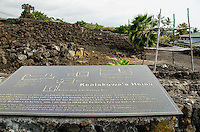 Signage and a platform at Kealakowa'a Heiau in Kailua-Kona, Big Island.