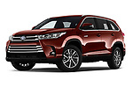 Stock pictures of low aggressive front three quarter view of 2019 Toyota Highlander XLE 5 Door SUV Low Aggressive