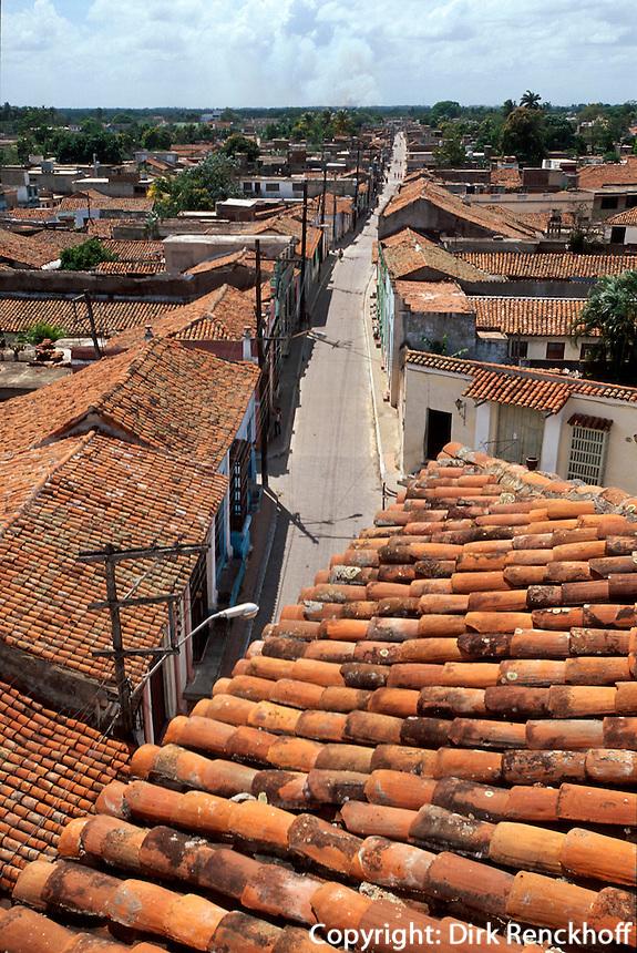 Cuba, Blick vom alten Hospital in Camagüey an der Plaza San Juan de Dios, Unesco-Weltkulturerbe