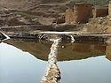 Iraq 2008 .Collecting salt in the viillage of Mamamlaha, near Chemchemal, in summer.Irak 2008.Une saliniere de Mamamlaha pres de Chemchemal.