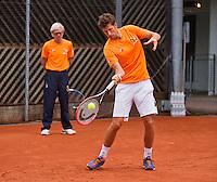 Austria, Kitzbuhel, Juli 14, 2015, Tennis, Davis Cup, Training Dutch team, Robin Haase with in the background coach Martin Bohm<br /> Photo: Tennisimages/Henk Koster