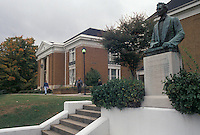 AJ4492, university, Abraham Lincoln, college, Tennessee, Bust of Lincoln at the Abraham Lincoln Museum on the campus of the Lincoln Memorial University in Harrogate in the state of Tennessee.