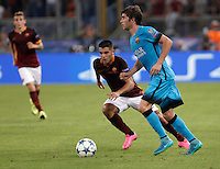 Calcio, Champions League, Gruppo E: Roma vs Barcellona. Roma, stadio Olimpico, 16 settembre 2015.<br /> FC Barcelona's Sergi Roberto, right, is challenged by Roma's Iago Falque during a Champions League, Group E football match between Roma and FC Barcelona, at Rome's Olympic stadium, 16 September 2015.<br /> UPDATE IMAGES PRESS/Isabella Bonotto