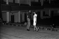 """Le 23 février 1967. Plan de la scène, vue des coulisses, au centre le chanteur Robert Guillaume et de la chanteuse Olive Moorefield, lors de la répétition de l'opréra """"Porgy and Bess"""". Observation: Répétion, au Théâtre du Capitole de l'opéra américain """"Porgy and Bess"""", Musique de geoge Gershwin, à l'occasion du 30ème anniversaire de sa mort."""