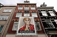 Nederland - Amsterdam- 2020.   Oostenburgergracht. Spandoek: We support local artists.  Foto ANP / HH / Berlinda van Dam