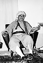 Irak 1973 Le general Mustafa Barzai dans son bureau de Haj Omran Iraq 1973 General Mustafa Barzani in his office of Haj Omran