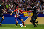 Angel Correa (l) of Atletico de Madrid fights for the ball with Tiemoue Bakayoko of Chelsea FC during the UEFA Champions League 2017-18 match between Atletico de Madrid and Chelsea FC at the Wanda Metropolitano on 27 September 2017, in Madrid, Spain. Photo by Diego Gonzalez / Power Sport Images