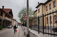 Serbia. Veliki Trnovac (in Albanian: Tërnoc i Madh) is a town in the municipality of Bujanovac, located in the Pčinja District of southern Serbia. On the right, the «Muharrem Kadriu» Elementary School in which school's students are all Albanians. At the end of the road, a mosque's minaret. Cars and bicycles on the asphalt road. Street life. Bujanovac is located in the geographical area known as Preševo Valley. The Pestalozzi Children's Foundation (Stiftung Kinderdorf Pestalozzi) is advocating access to high quality education for underprivileged children. It supports in Bujanovac a project called» Our towns, our schools».16.4.2018 © 2018 Didier Ruef for the Pestalozzi Children's Foundation