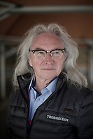 """After witnessing the 1983 edition of Paris-Roubaix, Jean-Paul Mellouët decides to bring cycling heroism closer to home and starts organising an amateur race that is inspired by roughness/toughness on local farm roads in Brittany. He calls it Tro Bro Léon and in a relative short time (about 30 editions) the race builds an international reputation. <br /> The founder himself admits that being a """"bit crazy"""" wasn't such a bad quality when he started this adventure.<br /> <br /> 33th Tro Bro Léon 2016"""