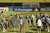 Bundestrainer Joachim Loew (Deutschland Germany) an der Taktiktafel - Seefeld 30.05.2021: Trainingslager der Deutschen Nationalmannschaft zur EM-Vorbereitung