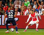 Nederland, Amsterdam, 15 augustus 2015<br /> Eredivisie<br /> Seizoen 2015-2016<br /> Ajax-Willem ll (3-0)<br /> Vaclav Cerny van Ajax en Justin Mathieu van Willem II strijden om de bal