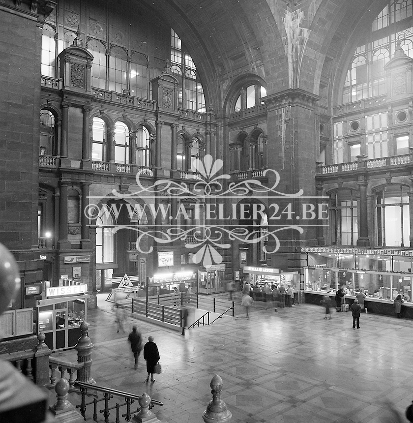 December 1983. Centraal Station in Antwerpen.