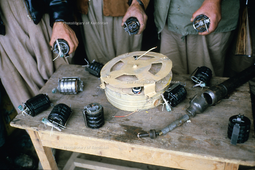 Iraq 1965 A clandestine weapons factory during the armed struggle: hand grenades  Irak 1965 Fabrication clandestine de grenades a main pendant la lutte armée