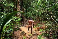 Minihua Huani hunts in the jungle with a spear near the Waorani (Huaroni) community of Boanamo on the Boanamo River.