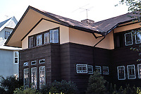 F.L. Wright: Similar to Hickox House, Kankakee.  (River Forest?)   Photo '76.