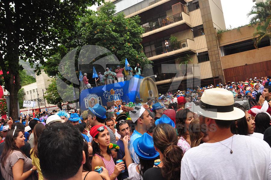 RIO DE JANEIRO, RJ, 05 DE MARÇO - BLOCO ESCANGALHA - Foliões durante o Bloco Escangalha, na Gávea, zona sul do Rio. (FOTO: STÉPHANIE SARAMAGO/ NEWS FREE).