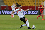 v.li.: Lena Sophie Oberdorf (Deutschland, 6) am Ball, Aktion, Action, DIE DFB-RICHTLINIEN UNTERSAGEN JEGLICHE NUTZUNG VON FOTOS ALS SEQUENZBILDER UND/ODER VIDEOÄHNLICHE FOTOSTRECKEN. DFB REGULATIONS PROHIBIT ANY USE OF PHOTOGRAPHS AS IMAGE SEQUENCES AN/OR QUASI-VIDEO., 21.02.2021, Aachen (Deutschland), Fussball, Länderspiel Frauen, Deutschland - Belgien <br /> <br /> Foto © PIX-Sportfotos *** Foto ist honorarpflichtig! *** Auf Anfrage in hoeherer Qualitaet/Aufloesung. Belegexemplar erbeten. Veroeffentlichung ausschliesslich fuer journalistisch-publizistische Zwecke. For editorial use only.