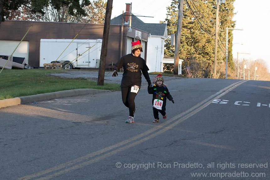 The Santa's Spirit Sprint race, Barnesville, OH on December 2, 2017.