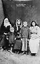Turquie 1930?   Au Kurdistan, femmes de sheikh Mehdi, , a gauche Aicha puis Fatima et a droite la fille de Fatima Turkey 1937? In Kurdistan, women of sheikh Mehdi, left Aicha and Fatima and her daughter and two young boys