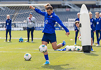CHICAGO, IL - OCTOBER 5: Tobin Heath #17 of the United States shoots at Soldier Field on October 5, 2019 in Chicago, Illinois.