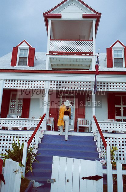 Les Bahamas /Ile d'Eleuthera/Harbour Island/Dunmore Town: Maison coloniale du front de mer du village // Bahamas / Eleuthera Island / Harbor Island / Dunmore Town: Colonial house of the village waterfront