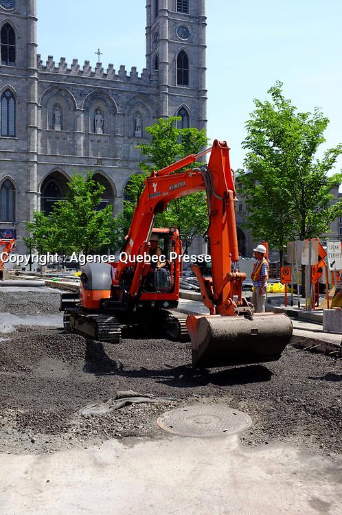 Trauvaux de ré-aménagements urbains, été 2011-Place d'Armes<br /> <br /> Photo : Agence Quebec Presse.