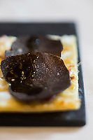 Europe/France/Rhone-Alpes/73/Savoie/Courchevel: Restaurant: Le White, au Cheval Blanc, le Jardin Alpin,  Tarte flambée à la Truffe Noire