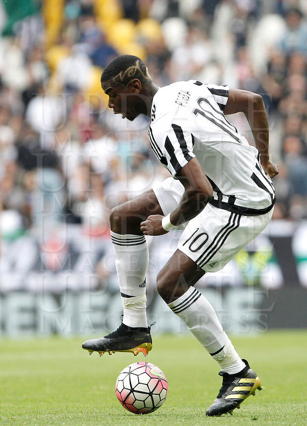 Calcio, Serie A: Juventus vs Palermo. Torino, Juventus Stadium, 17 aprile 2016.<br /> Juventus' Paul Pogba in action during the Italian Serie A football match between Juventus and Palermo at Turin's Juventus Stadium, 17 April 2016.<br /> UPDATE IMAGES PRESS/Isabella Bonotto