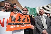 """Am Freitag den 21. Maerz 2014, dem internationalen Tag gegen Rassismus, versammelten sich bundesweit Menschen um gegen den Rassismus zu demonstrieren.<br />Im Bild: Menschen haben sich in Berlin Kreuzberg am Kottbusser Tor zu einer Kundgebung unter dem Motto """"Fuenf vor Zwoelf"""" versammelt.<br />21.3.2014, Berlin<br />Copyright: Christian-Ditsch.de<br />[Inhaltsveraendernde Manipulation des Fotos nur nach ausdruecklicher Genehmigung des Fotografen. Vereinbarungen ueber Abtretung von Persoenlichkeitsrechten/Model Release der abgebildeten Person/Personen liegen nicht vor. NO MODEL RELEASE! Don't publish without copyright Christian-Ditsch.de, Veroeffentlichung nur mit Fotografennennung, sowie gegen Honorar, MwSt. und Beleg. Konto:, I N G - D i B a, IBAN DE58500105175400192269, BIC INGDDEFFXXX, Kontakt: post@christian-ditsch.de]"""
