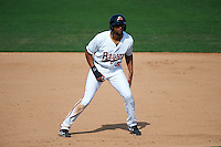 Bowie Baysox designated hitter Henry Urrutia (5) leads off first during the second game of a doubleheader against the Akron RubberDucks on June 5, 2016 at Prince George's Stadium in Bowie, Maryland.  Bowie defeated Akron 12-7.  (Mike Janes/Four Seam Images)