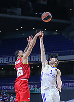 13th October 2021; Wizink Center; Madrid, Spain; Turkish Airlines Euroleague Basketball; game 3; Real Madrid versus AS Monaco; Mike James (AS Monaco) takes with a jump shot in the face of Fabien Causeur (Real Madrid Baloncesto)