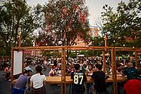 Kisoques de ''bouffe de rue'' asiatique dans le quartier chinois de Montréal, Aout 2021<br /> <br /> Asian street Food in Montreal chinatown, August 2021<br /> <br /> PHOTO :  Pierre Tran - Agence Quebec Presse