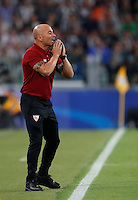 Calcio, Champions League: Juventus vs Siviglia: Torino, Juventus Stadium, 14 settembre 2016. <br /> Sevilla's coach Jorge Sampaoli gives indications to his players during the Champions League Group H football match between Juventus and Sevilla at Turin's Juventus Stadium, 16 September 2016.<br /> UPDATE IMAGES PRESS/Isabella Bonotto