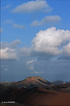 Champs de lave. Caldeiras et hornitos volcaniques. Parc national de Timanfaya. Ile de Lanzarote. .lava fields,  Caldeiras and volcanic  hornito. Timanfaya national parc  Lanzarote island