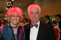 Frankfurts B¸rgermeister Achim Vandreike mit Frau