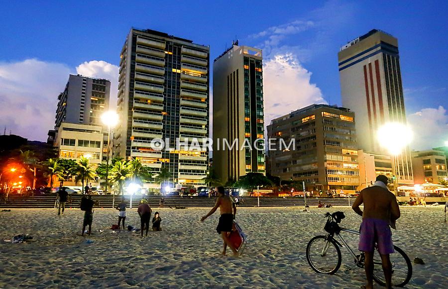 Predios de apartamentos na avenida Delfim Moreira, bairro Leblon, Rio de Janeiro. 2019. Foto © Juca Martins