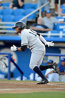 Tampa Yankees outfielder Mason Williams #14 during a game against the Dunedin Blue Jays on April 11, 2013 at Florida Auto Exchange Stadium in Dunedin, Florida.  Dunedin defeated Tampa 3-2 in 11 innings.  (Mike Janes/Four Seam Images)