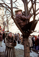 Defile Saint-Patrick, le 18 mars 1979  sur la rue Sainte-Catherine<br /> <br /> PHOTO : JJ Raudsepp  - Agence Quebec presse