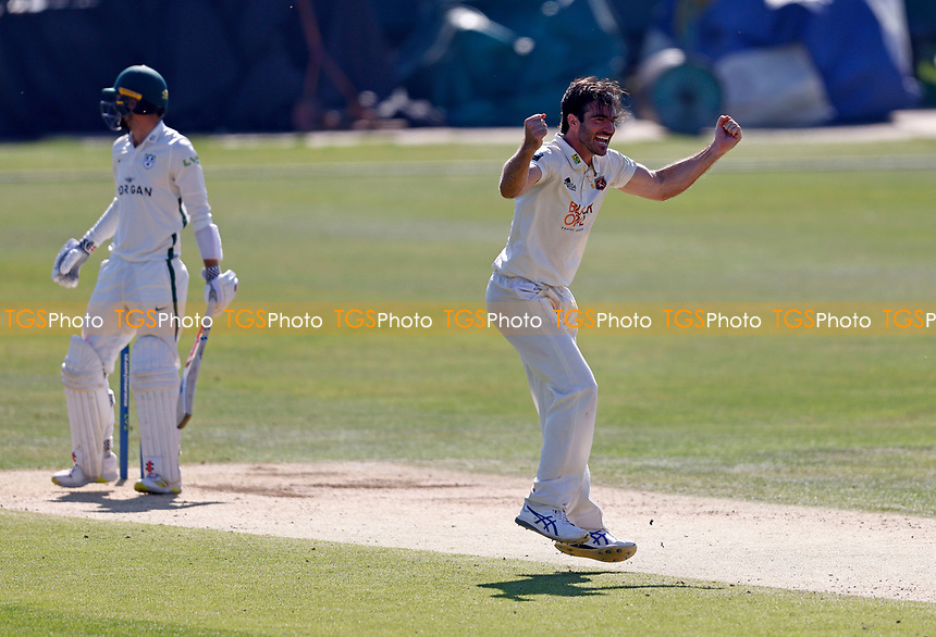Grant Stewart of Kent celebrates taking the wicket of Ed Barnard (Background) during Kent CCC vs Worcestershire CCC, LV Insurance County Championship Division 3 Cricket at The Spitfire Ground on 7th September 2021