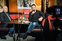 Ralf Baitinger im Gespräch mit Gerd Schulmeyer (DKP/LL) - Mörfelden-Walldorf 05.02.2021: Talk auf der Pianobank