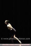 Hell création le 12/12/2006 au théâtre de la ville..chorégraphie, conception lumières,.scénographie et son.Emio Greco | Pieter C. Scholten.assistante des chorégraphes.Bertha Bermudez Pascual.lumières Henk Danner.costumes Clifford Portier.musiques montage avec entre autres.l?Allegro con brio de la 5e Symphonie de.Beethoven.avec Ty Boomershine, Vincent Colomes,.Sawami Fukuoka, Emio Greco,.Marta Lopes, Nicola Monaco,.Marie Sinnaeve, Suzan Tunca