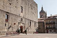 Europe/Espagne/Pays Basque/Guipuscoa/Fontarrabie: Château de Charles Quint, transformé en Parador et l'église Notre-Dame-de-l'Assomption